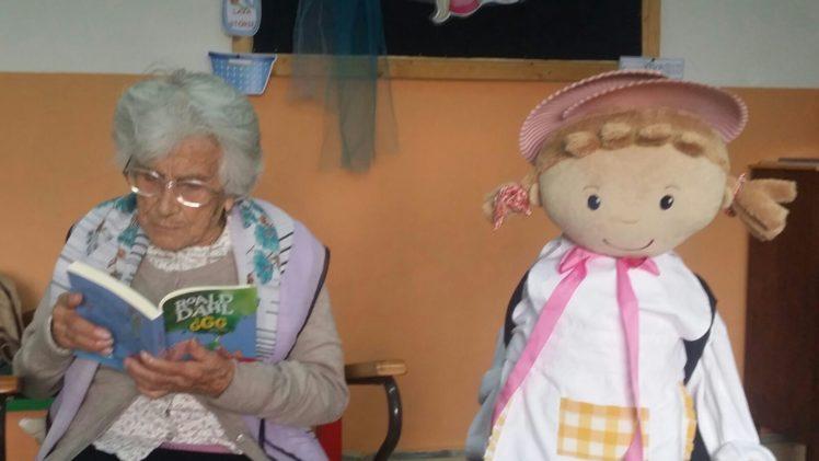 Nonna Lina: 106 e non sentirli, legge storie ai bambini della Ghizzi