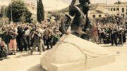 Il rombo delle moto per l'inaugurazione della statua di Fabrizio Meoni